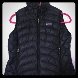 Patagonia Women's Down Vest Size Small